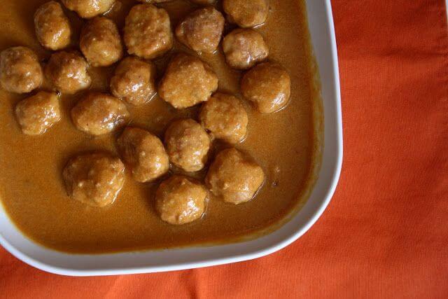Mari Cocinillas - albóndigas en salsa de almendras