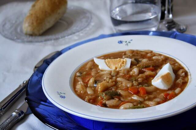 Mari Cocinillas - Judias blancas con verduras