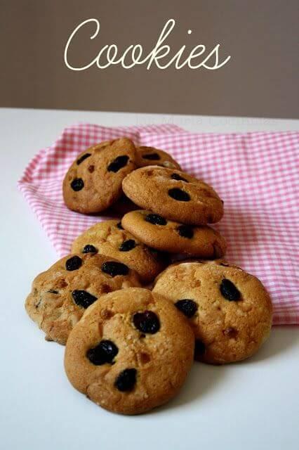 Mari Cocinillas - Cookies de chocolate blanco y arandanos