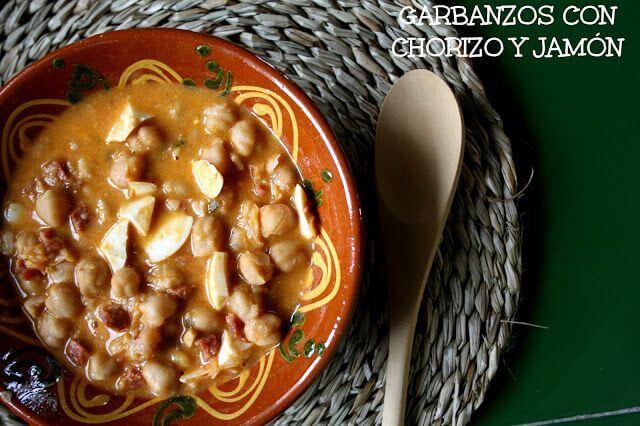 Mari Cocinillas - Garbanzos con Chorizo y Jamón