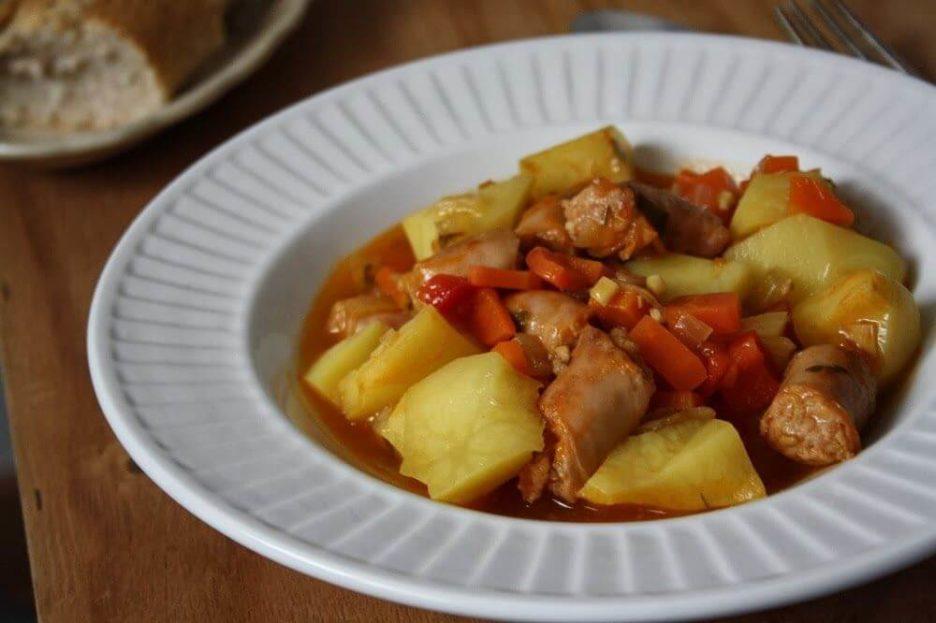 Mari Cocinillas - Guiso de Salchichas con Patatas