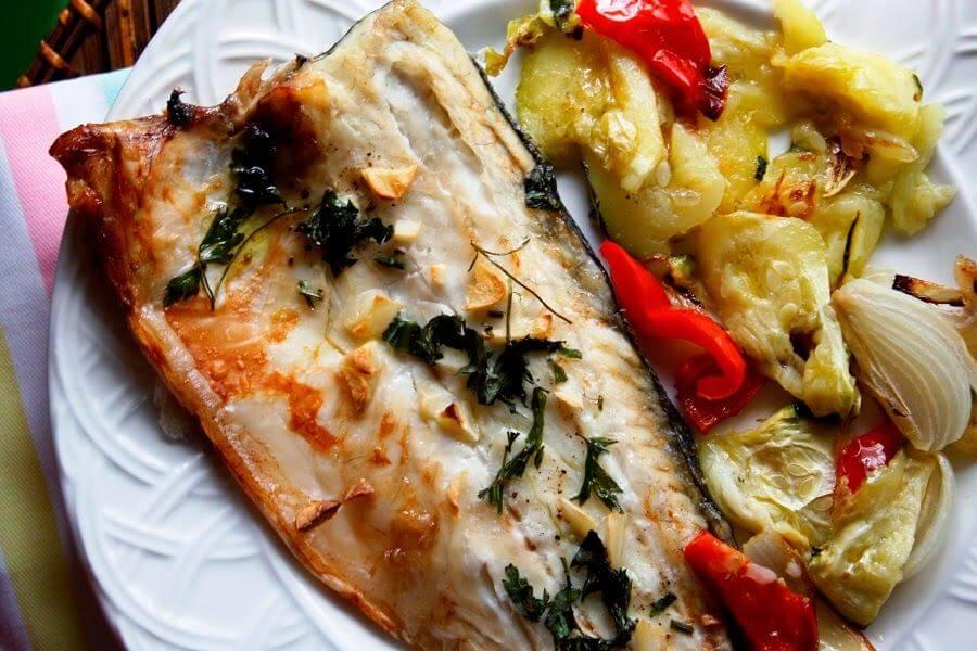 Mari Cocinillas - Lubina al horno con verduras