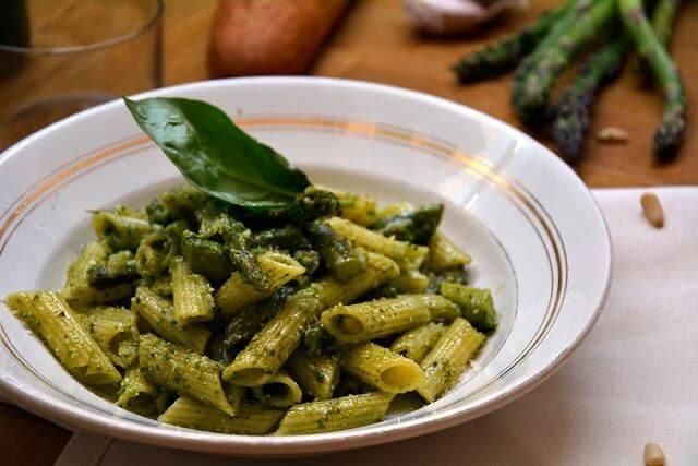 Mari Cocinillas - Pasta con Pesto y Espárragos