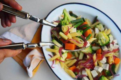 Mari Cocinillas - Pasta con tofu y verduras