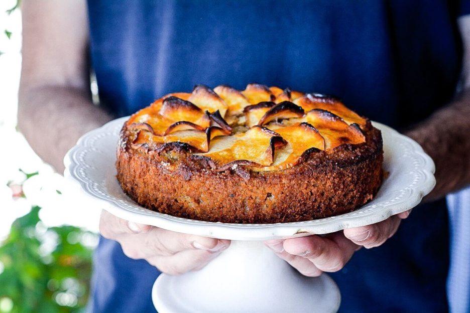 Mari Cocinillas - Pastel de almendras y manzana con helado de vainilla SIN GLUTEN Y SIN LACTOSA