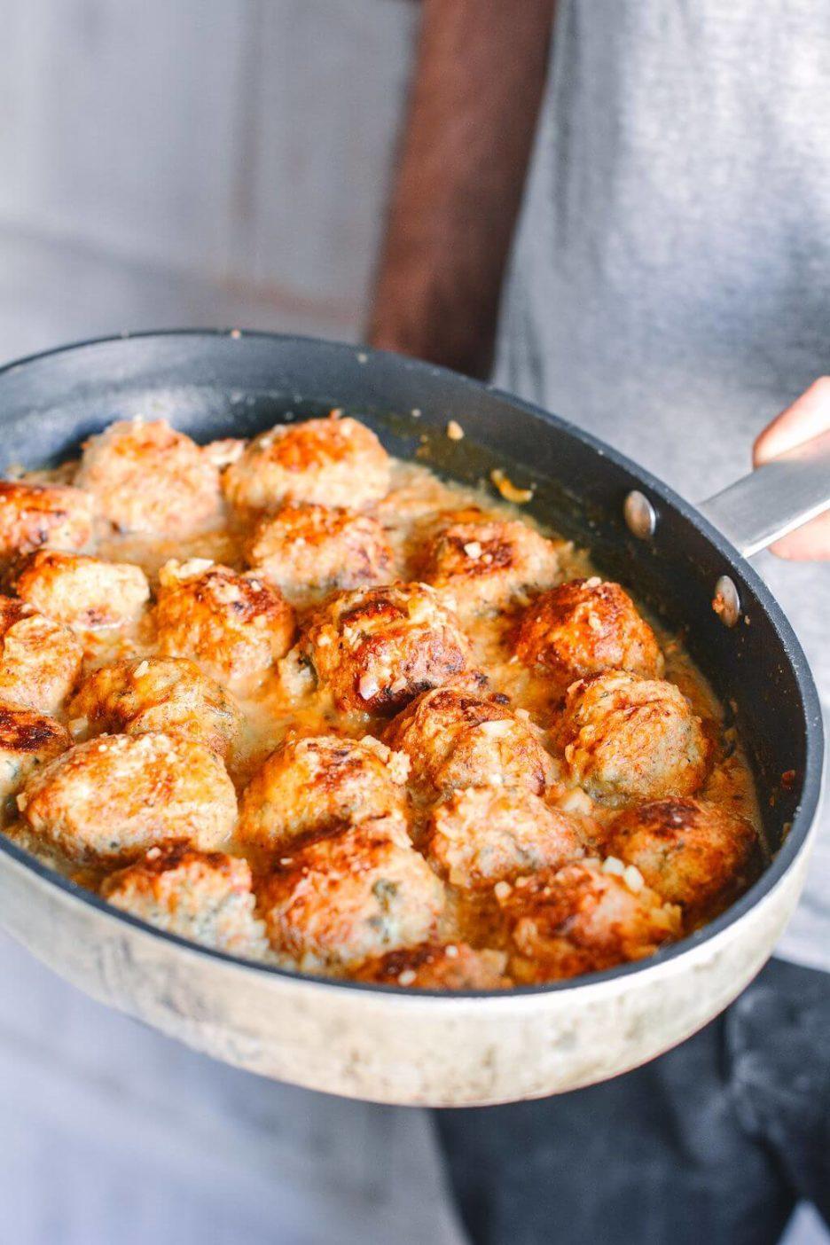 Mari Cocinillas - Albóndigas de pollo y verduras con salsa de almendras