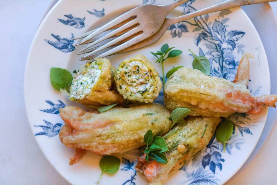 Mari Cocinillas - Flores de calabacín rellenas en tempura